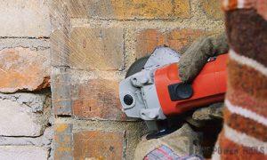 Mortar removal using grinder